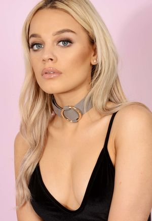 Faux Suede Circle Grey Choker